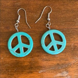 Beautiful brand new peace sign earrings